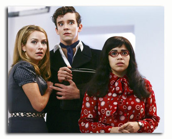 (SS3570866) Cast   Ugly Betty Television Photo