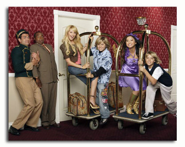 (SS3578965) Cast   The Suite Life of Zack and Cody Movie Photo