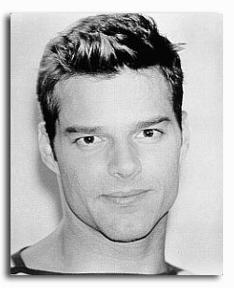 (SS2212470) Ricky Martin Music Photo