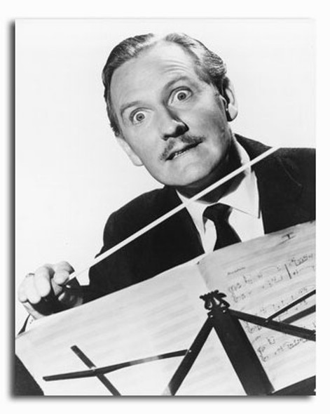(SS2341066) Leslie Phillips Movie Photo