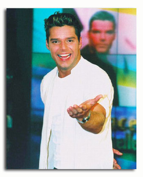 (SS3293212) Ricky Martin Music Photo