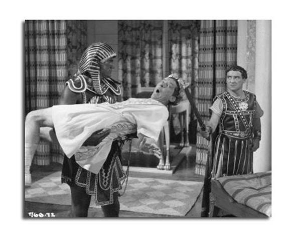 Carry on Cleo Movie Photo (SS2470624)