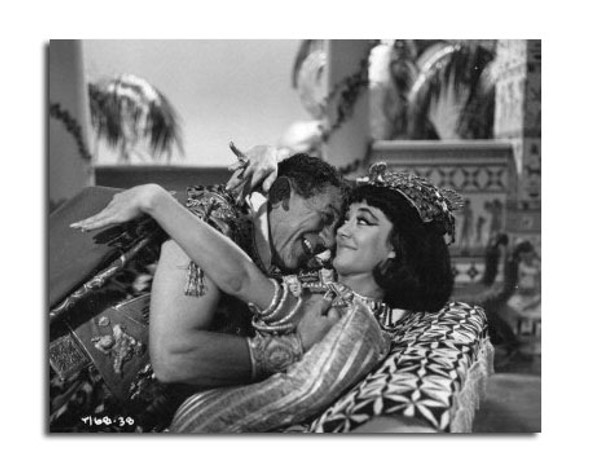 Carry on Cleo Movie Photo (SS2470676)