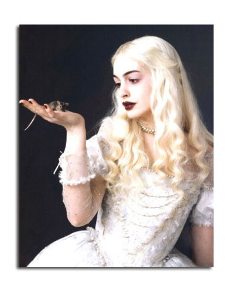 Anne Hathaway (Alice In Wonderland) Movie Photo (SS3643562)