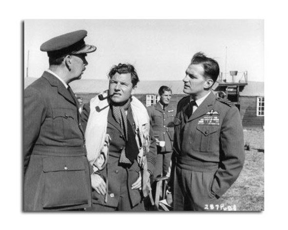 Kenneth More Movie Photo (SS2471417)