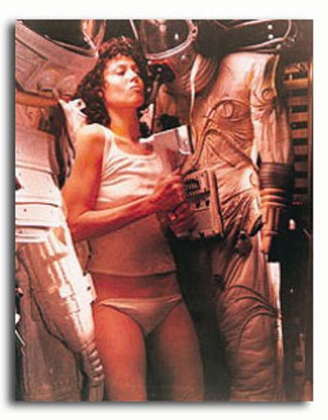 (SS38779) Sigourney Weaver  Alien Movie Photo