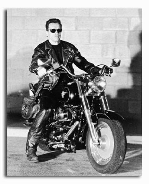 (SS218829) Arnold Schwarzenegger  Terminator 2: Judgment Day Movie Photo