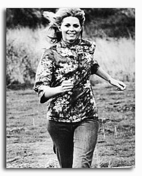 (SS2229955) Lindsay Wagner  The Bionic Woman Movie Photo