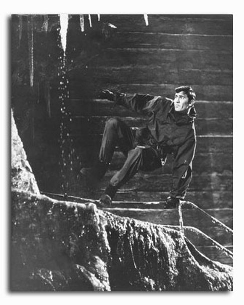 (SS2249338) George Lazenby Movie Photo