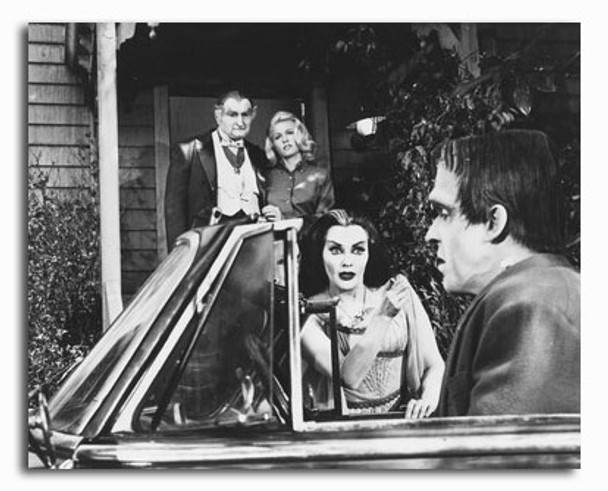 (SS2320461) Cast   The Munsters Movie Photo