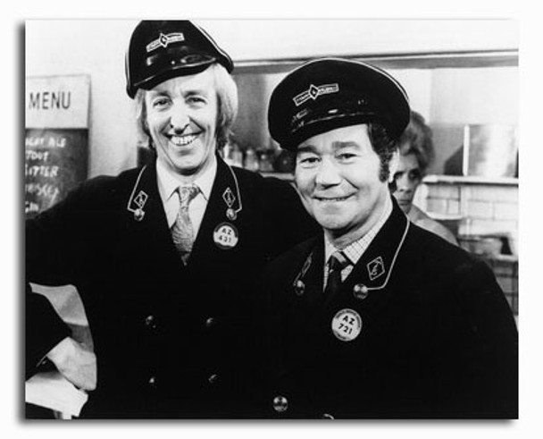 (SS2320552) Cast   On the Buses Television Photo