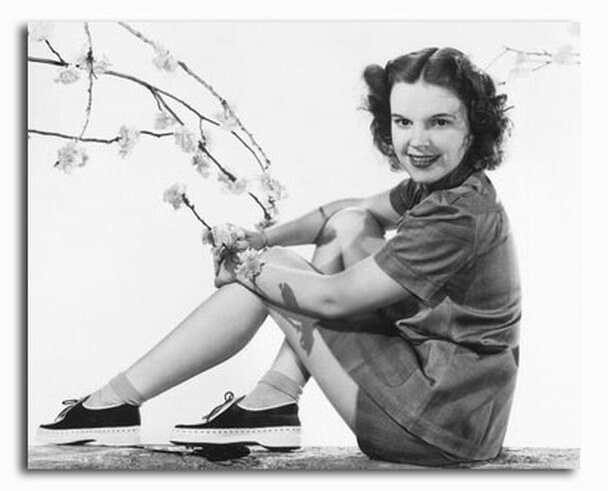 (SS2334657) Judy Garland Movie Photo
