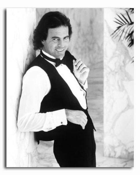 (SS2420977) Julio Iglesias Music Photo