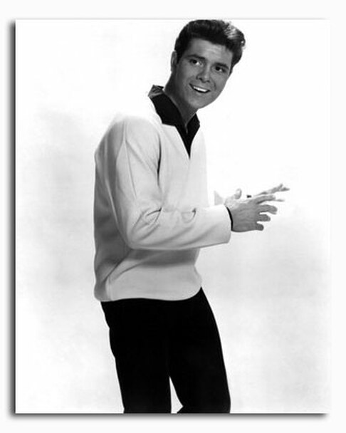 (SS2426970) Cliff Richard Music Photo