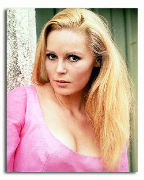 (SS3182036) Veronica Carlson Movie Photo