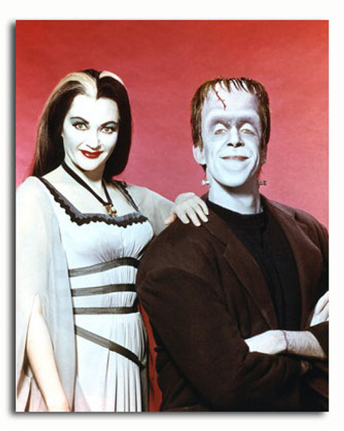 (SS3373994) Cast   The Munsters Movie Photo