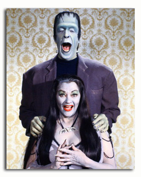 (SS3446014) Cast   The Munsters Movie Photo