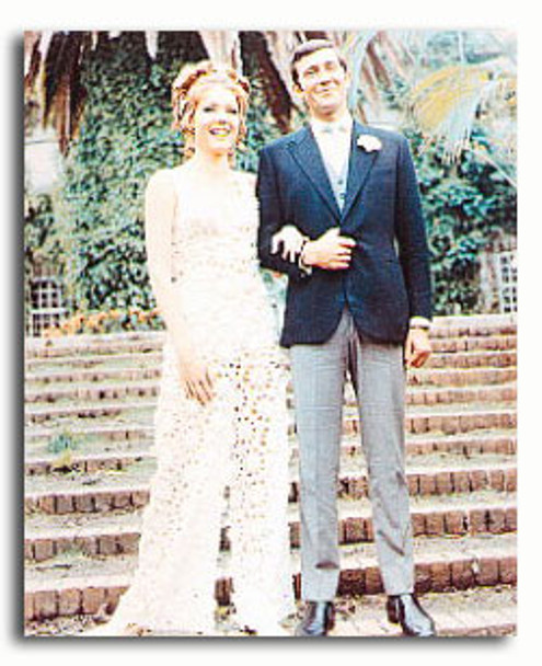 (SS3169179) George Lazenby, Diana Rigg Movie Photo