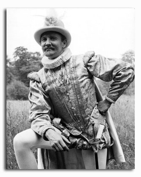 (SS2341040) Leslie Phillips Movie Photo