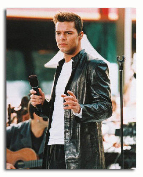 (SS3199573) Ricky Martin Music Photo
