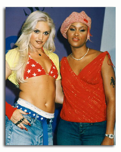 (SS3229512) Gwen Stefani & Eve Music Photo