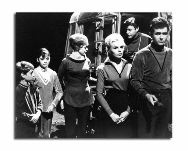 Lost in Space Television Photo (SS2470637)