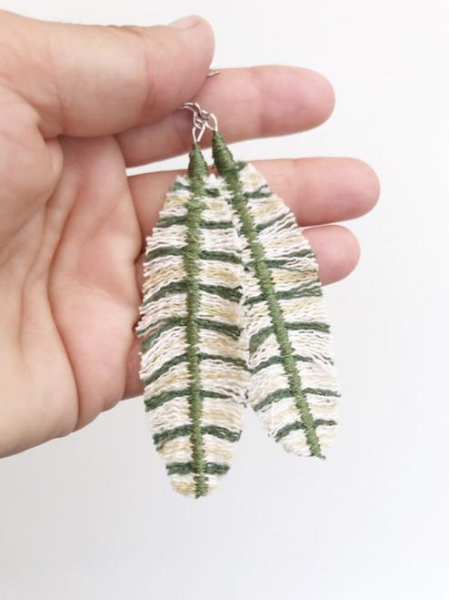 Jhoomka - Earrings - Feathers - Green
