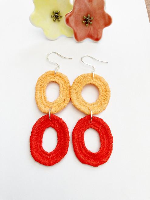 Jhoomka - Earrings - Doily hoops - Red/Yellow