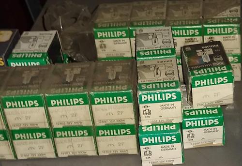 NOS! Genuine Philips H2 12V 100W Halogen Light Bulbs Part No.:  12507