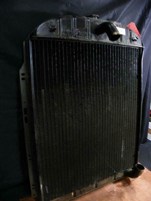 NOS OEM General Motors Harrison Radiator 3118376 1946 1947 Chevrolet