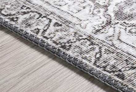 Decor Items That Pair Well with Traditional Area Rugs