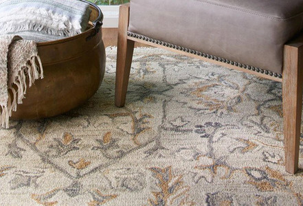 How to Decorate with Traditional Area Rugs