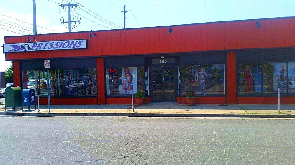 185 Main St. Hempstead NY, 11550 . Call 516-489-7481