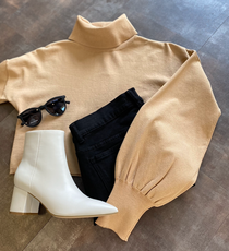 Relaxed Turtleneck, Camel