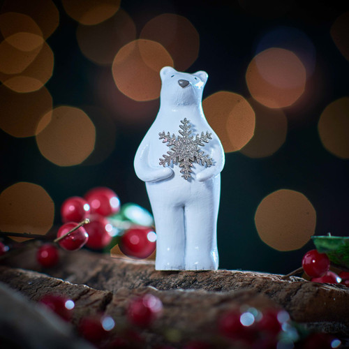 Bear holding Snowflake Decoration - The Crafty Giraffe
