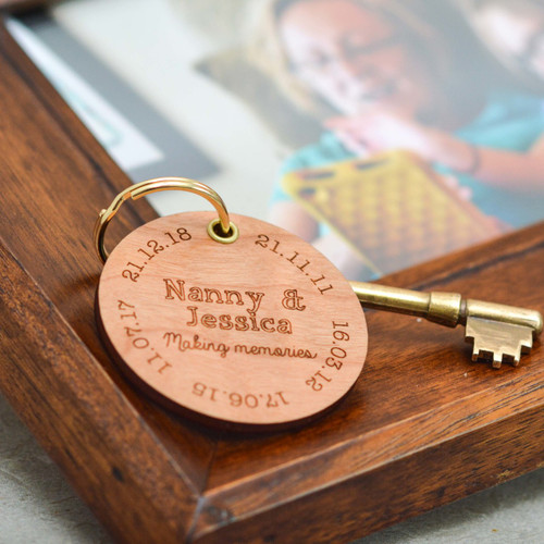Personalised Special Dates Mothers Day Keyring - The Crafty Giraffe