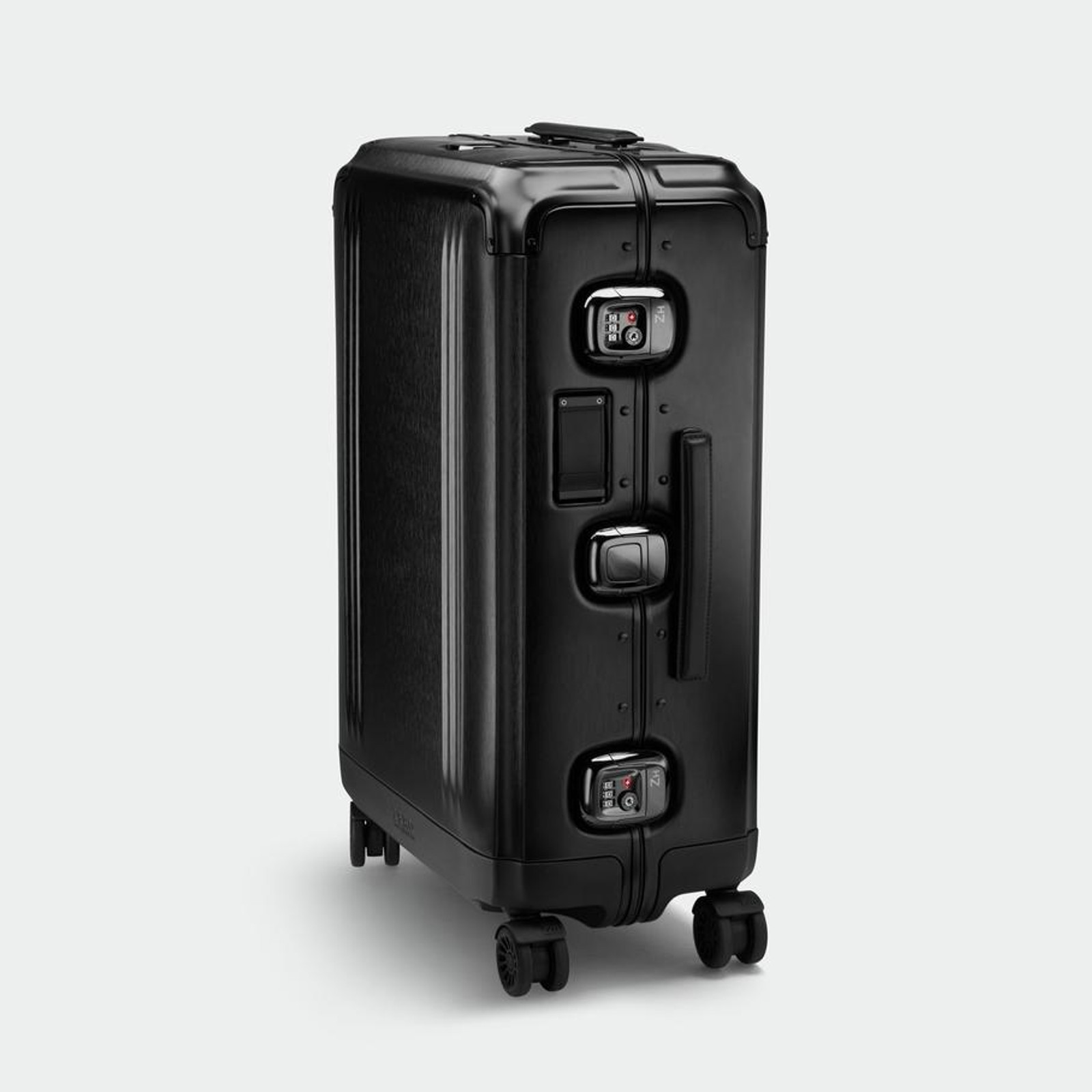 Pursuit - Aluminium Medium Travel Case (Black)