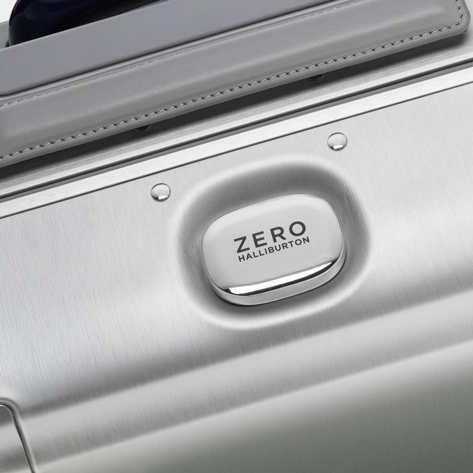 Pursuit - International Carry-On Case (Silver)