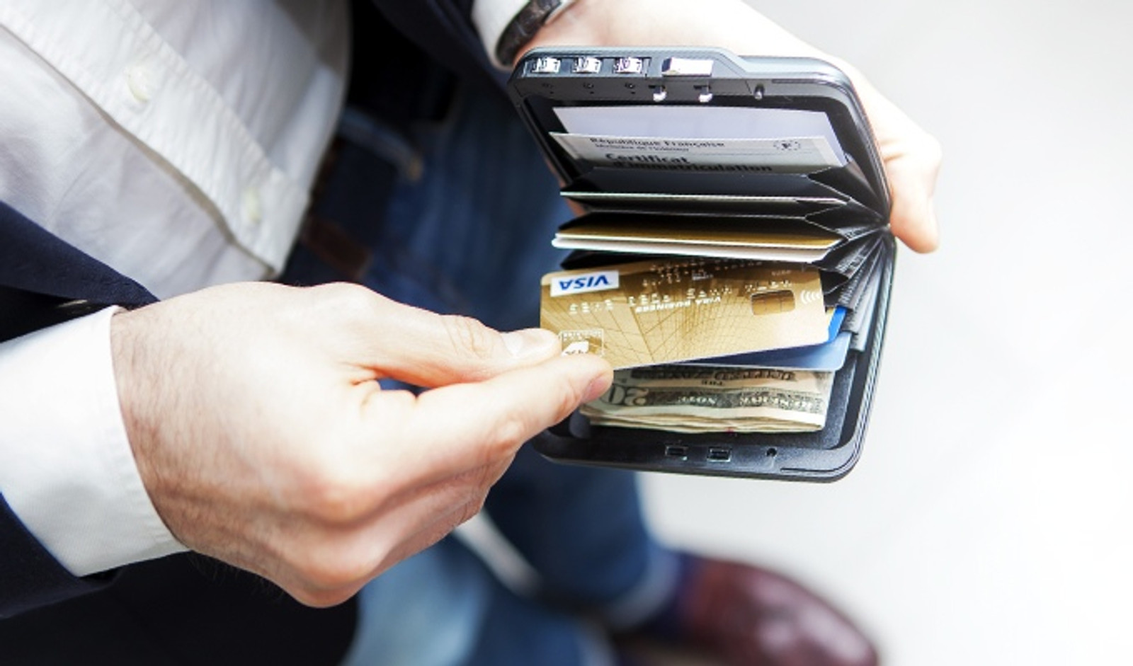 Mini Safe Wallet - Platinum