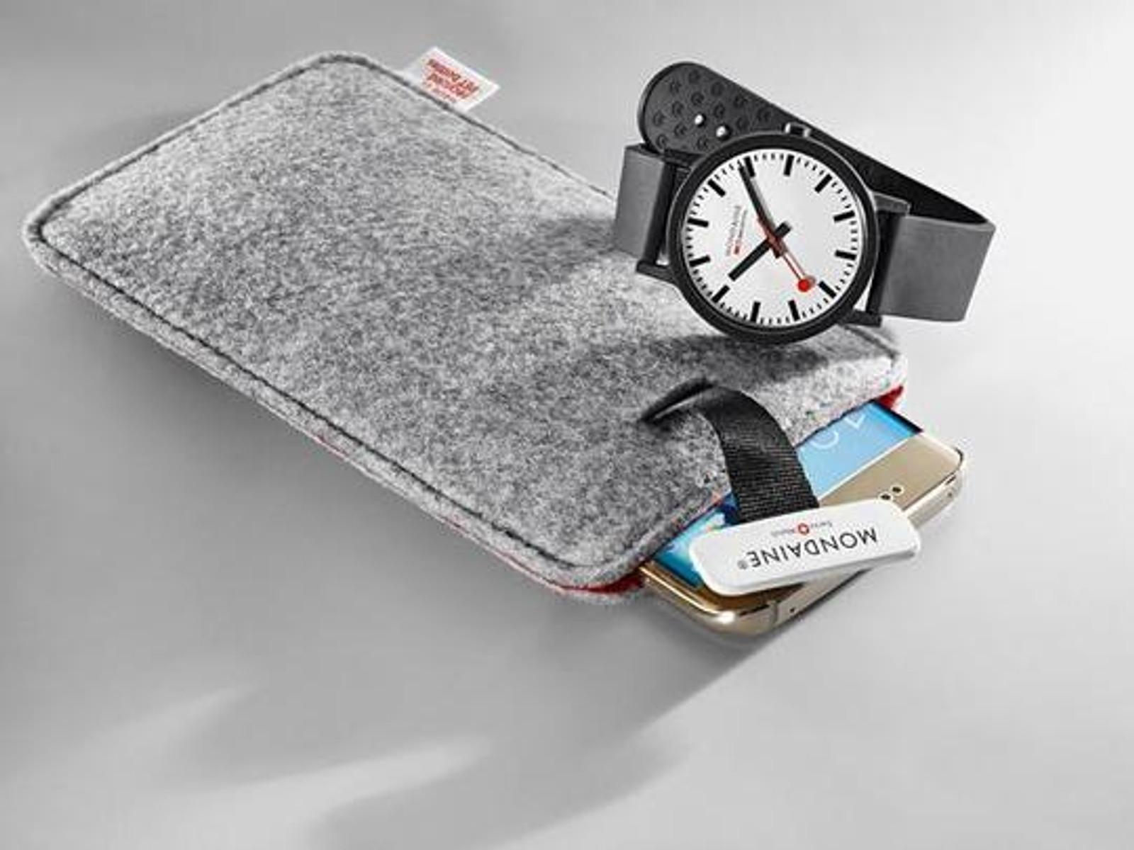 Essence 41mm - Black dial