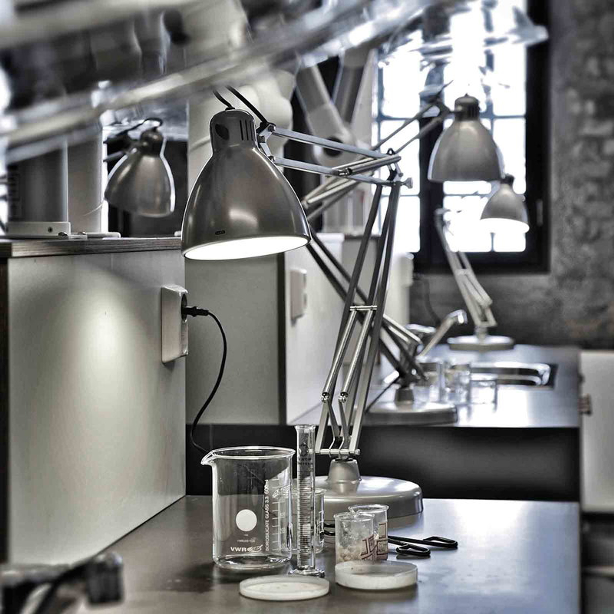 Luxo L 1 Led Desk Lamp