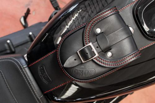 Detachable tank bag for Softail® Fat Bob® models produced up until 2021