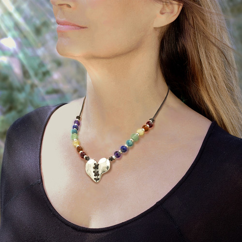 Love Magnet™ - 7 Chakra Heart Necklace - Attracts love's energies to your life.