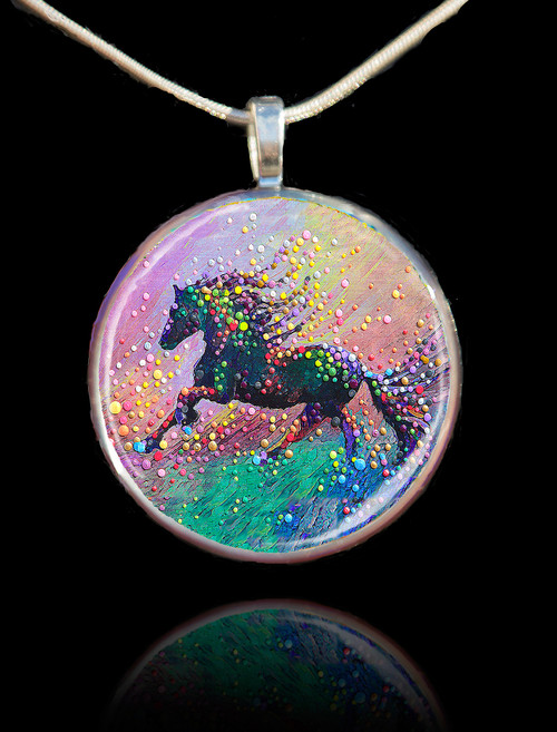 Spirit Horse Visionary's Pendant - Find the answers you need