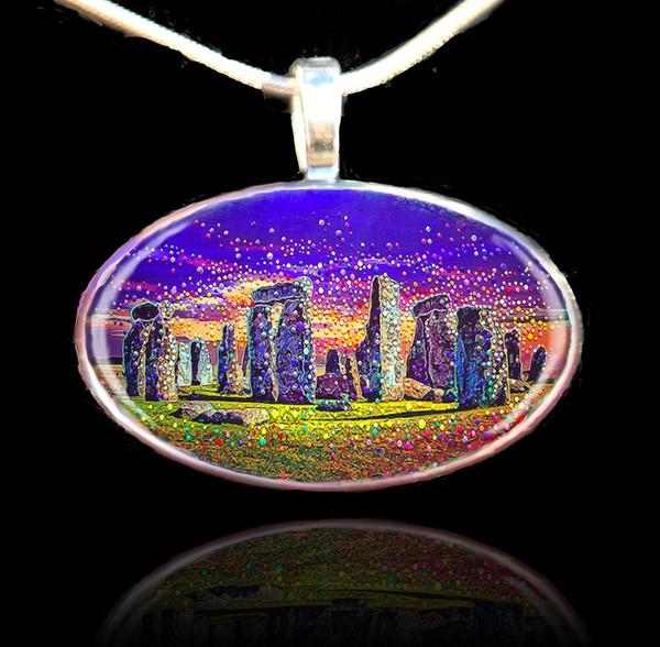Stonehenge - Sacred healing portal pendant