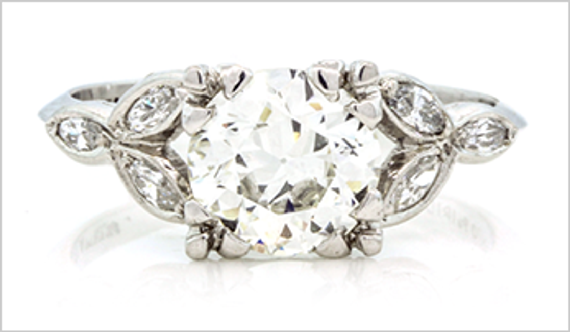 Vintage Engagement Rings 101: Tips & Tricks for Selecting the Perfect Ring
