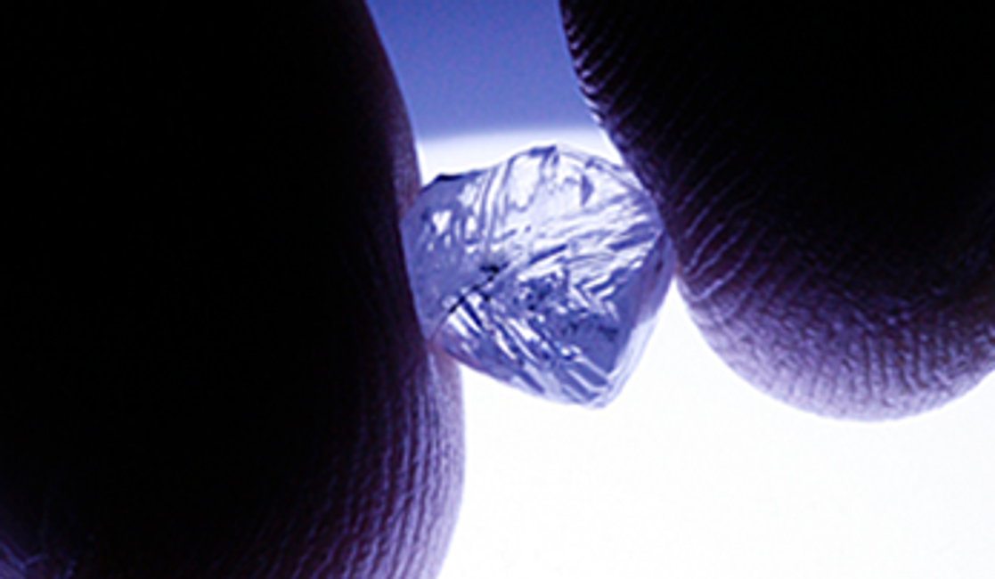 The Difference Between Natural and Lab-Grown Diamonds