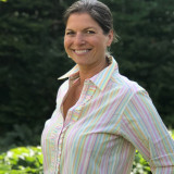 Women's 100% woven cotton, button-down shirt