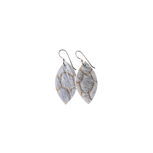 Keva Small Leather Earrings - Scalloped in Gray