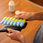 Magnetic Pill Organizer With Case
